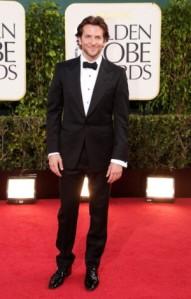 Bradley-Cooper-Tom-Ford-Eco-Suit-2013-Golden-Globe-Awards-4-300x470