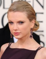 taylor-swift-hairstyle-2013-golden-globe-awards